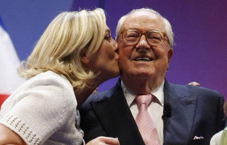 le-pen-bisou